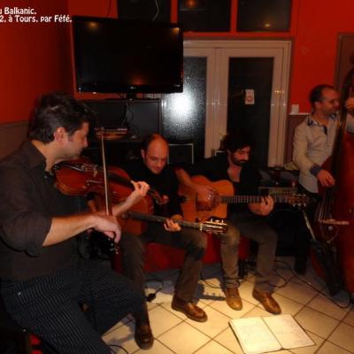 concert au Balkanique