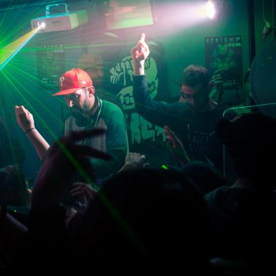 Aenigma 2.6 - Hurricane's Pub - Tours