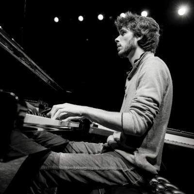 Simon Bouladoux: Piano, Rhodes